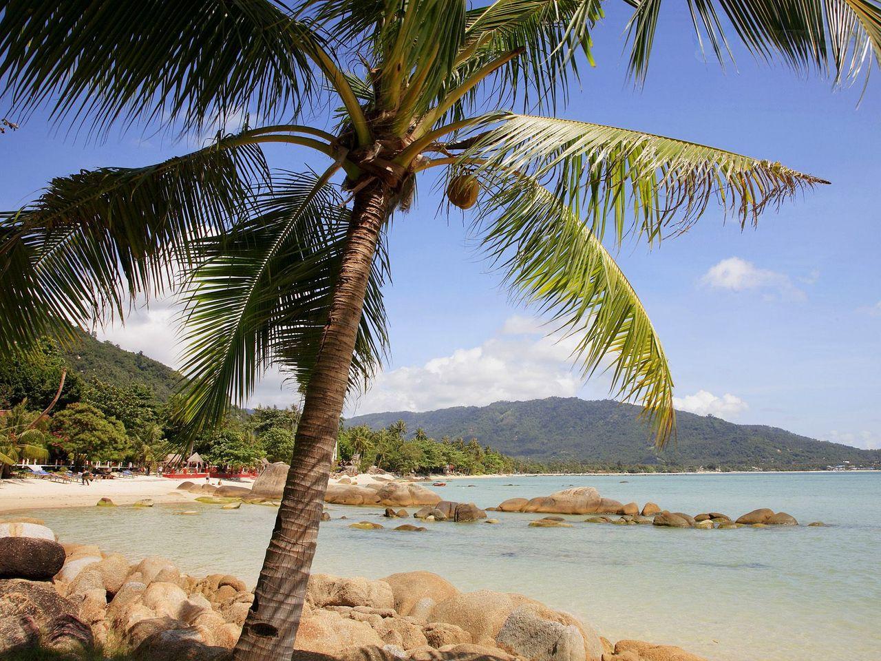 Big hat lamai beach  ko samui  thailand1