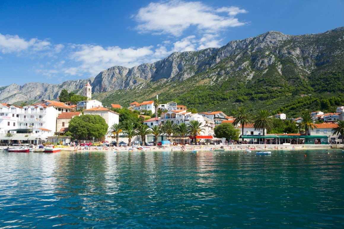 Big gradac split gorgeous view on beach and mountains behind in gradac croatia 710