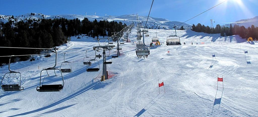 Big mountain skiing italy alta valtellina bormio 33545