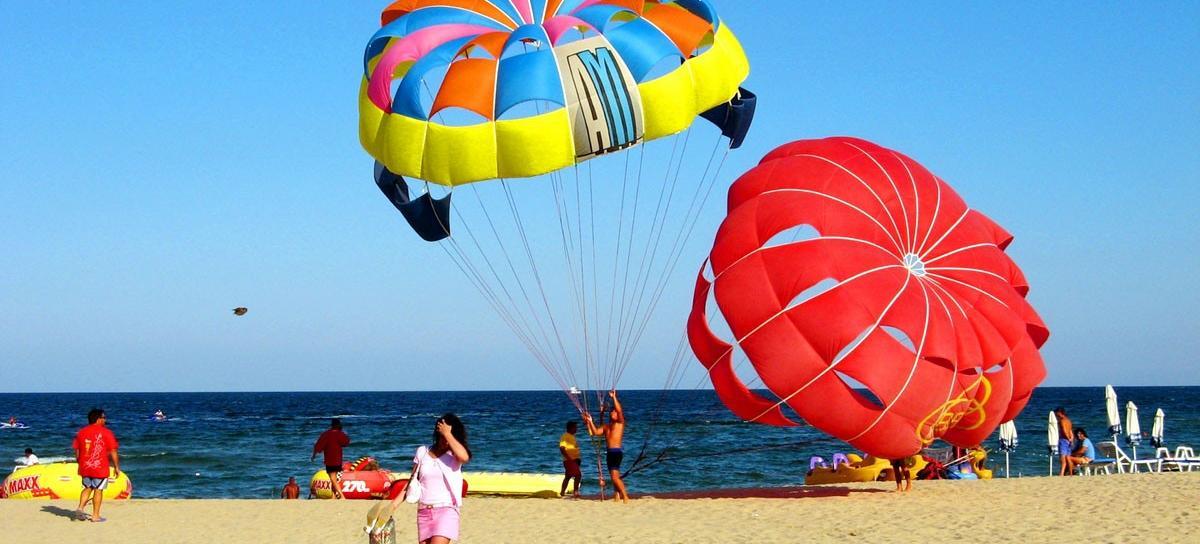 Big sunny beach 900039405 0